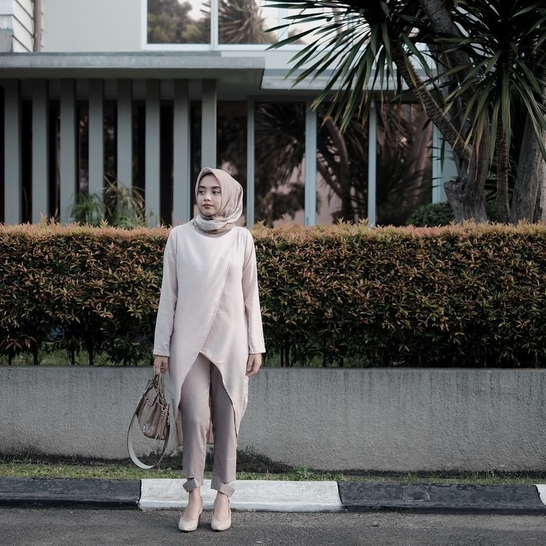Tips Mix and Match Fashion Konsep All White Outfit yang Stunning